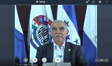 El director ejecutivo del Organismo Internacional Regional de Sanidad Agropecuaria (OIRSA), Efraín Medina Guerra, durante reunión virtual.